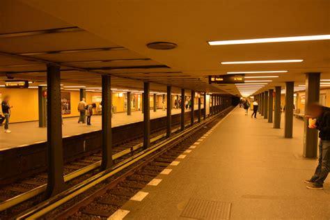 Bus Und Bahn Nahundfernverkehrstartbilderde