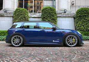 Mini Cooper Tuning : mini clubman gets amg exhaust and body kit in japanese tuning project autoevolution ~ Melissatoandfro.com Idées de Décoration