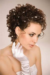 25 Best Curly Hairstyles For Short Hair Cool Trendy