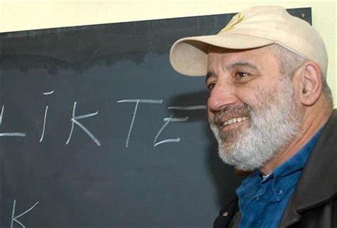 Turkish journalist Savas Ay dies of throat cancer