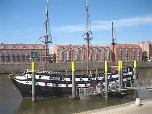 Bild Bremen De : bild bremen pfannkuchenschiff admiral nelson zu restaurant pannekoekschip in bremen ~ Pilothousefishingboats.com Haus und Dekorationen