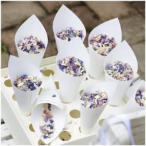 Geschenk Zum Standesamt : fundst ck der woche 12 konfetti aus getrockneten bl ten hochzeitsblog the little wedding corner ~ Eleganceandgraceweddings.com Haus und Dekorationen