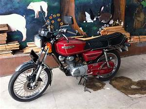 Red Honda Gl 100