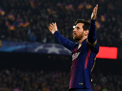 lionel messi refuses     credit  barcelona