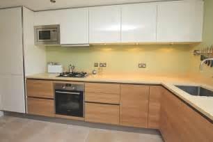 Island Shaped Kitchen Layout Handleless Two Tone Kitchen