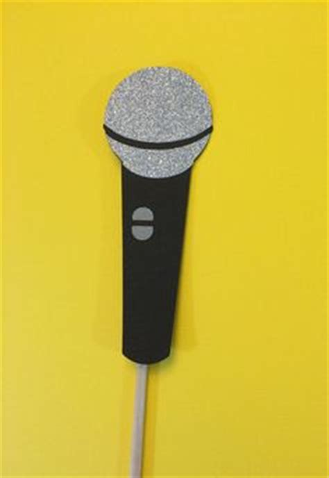 christmas microphone template microphone pattern use the printable outline for crafts