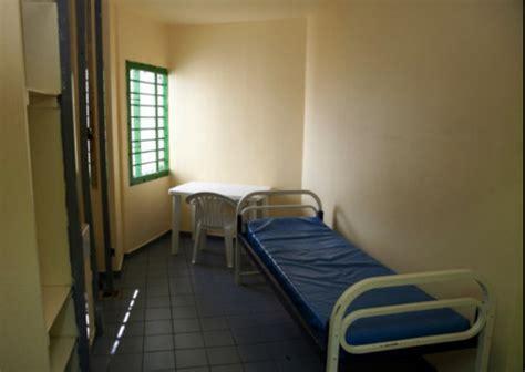 chambre prison nabilla caractéristiques photos et détails de sa
