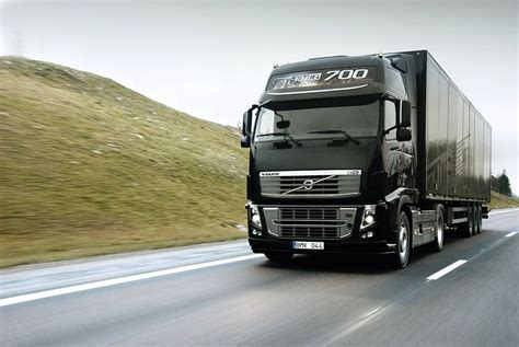Volvo Truck Wallpaper by Volvo Truck Wallpaper High Definition Gkm Cars