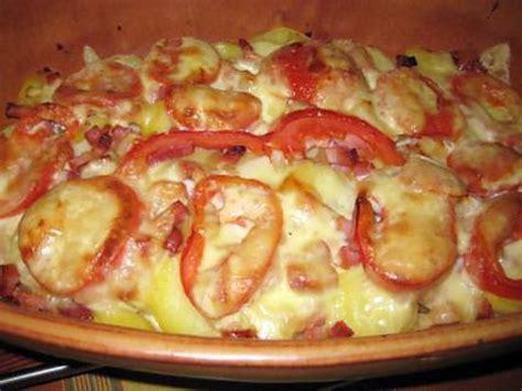 que faire avec des pates fraiches recette de tartiflette avec des restes tomates fromage raclette