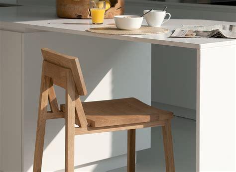 kitchens with oak cabinets pictures ethnicraft oak n3 kitchenstool k 252 chenhochstuhl 8797
