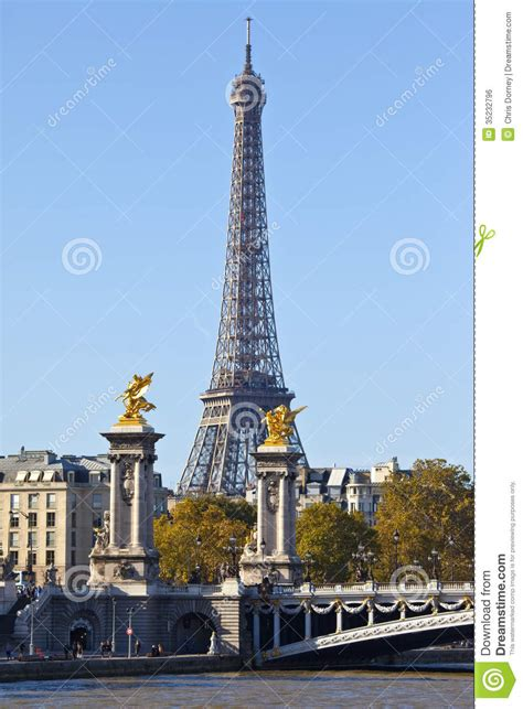 eiffel tower  pont alexandre iii bridge  pari