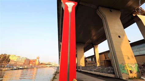 L'asse attrezzato di catania è una strada a doppia carreggiata con due corsie e corsia d'emergenza per ciascun senso di marcia. Calalilly, opera di Pep Marchegiani pilone asse attrezzato ...