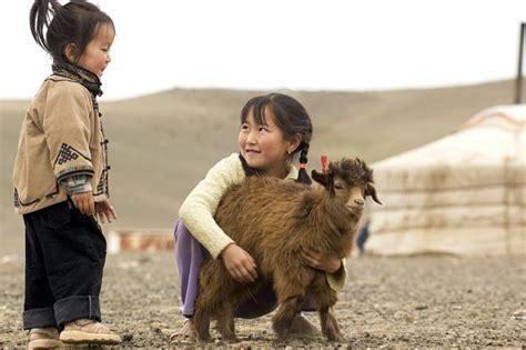 cuisiner avec ses enfants les enfants des steppes de mongolie voyage mongolie