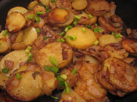 lyonnaise potatoes potatoes lyonnaise recipe dishmaps