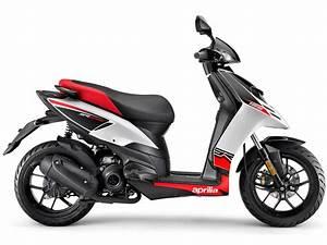 Aprilia Sr 125 : 2012 scooter pictures aprilia sr motard 125 insurance information ~ Medecine-chirurgie-esthetiques.com Avis de Voitures