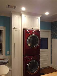 Red, Lg, Stacked, Washer, Dryer, Laundry, Area, In, Kitchen, Crown, Molding