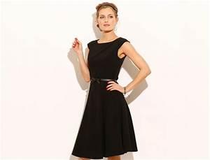 Robe noire classique chic robe de maia for Robe noire classique