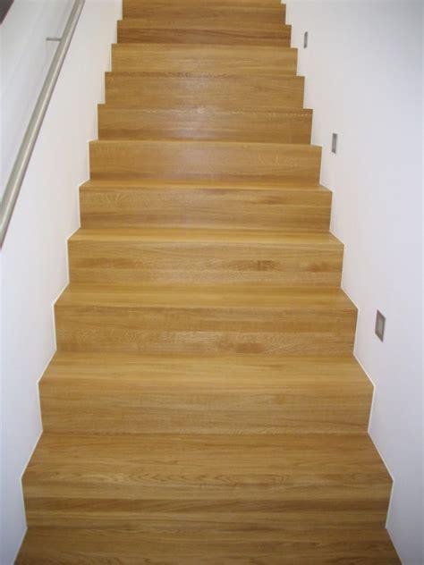 Treppe Zwischen Zwei Wänden by Stufen Massivholz