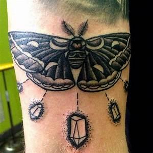 The 25+ best Tricep tattoos ideas on Pinterest   Mandala ...