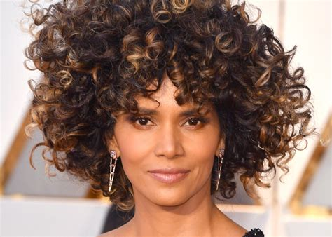 hottest celebrity curly hairstyles fashionisers 169