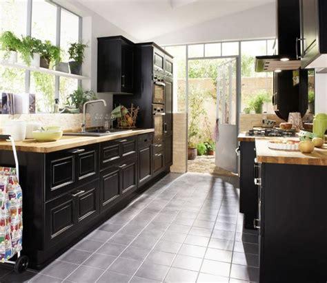 les plus belles cuisines equipees notre s 233 lection des plus belles cuisines en bois cuisine noir en bouleau massif lapeyre