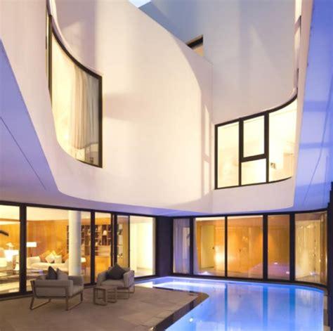 Contemporaryhomegardeninkuwaitbyagiarchitects
