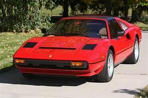 Vente Au Enchere Vehicule : ferrari 308 gts quattrovalvole 1984 la voiture de magnum aux encheres ~ Gottalentnigeria.com Avis de Voitures