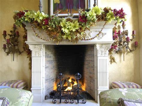 Garland Mantel Christmas Decorating Ideas