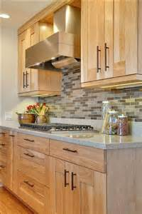 Kitchen Backsplash With Light Cabinets by 29 Quartz Kitchen Countertops Ideas With Pros And Cons