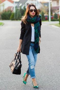 great ways  wear  ripped jeans  winter lifestuffs