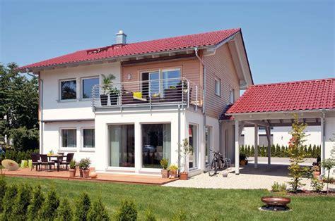 Moderne Häuser Balkon by Schw 246 Rer Haus Haus Mit Erker Balkon Kundenhaus
