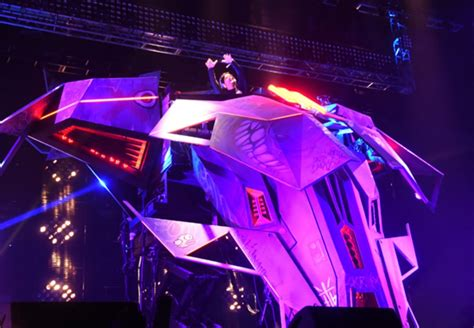 skrillex spaceship coachella saw things