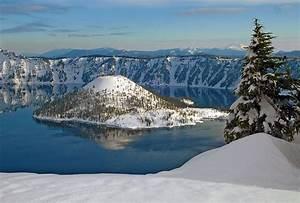 ranger guided snowshoe walks crater lake national park