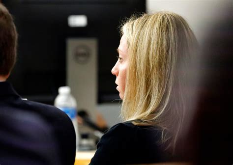 Dallas cop gets 10 years in prison for killing her ...