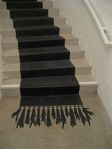 tapis trompe l oeil peindre un tapis trompe l œil dans l escalier fallait y penser d i y coureurs