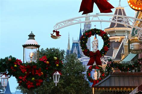 christmas  disney world  holiday highlights