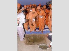 October 14 2002, Pramukh Swami Maharaj visits BAPS
