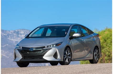 Best Mileage Cars In Usa by 25 Cars With The Best Gas Mileage In 2018 U S News