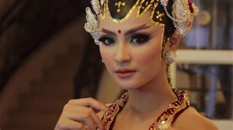 artist  ratu wedding adat jawa modern qemil