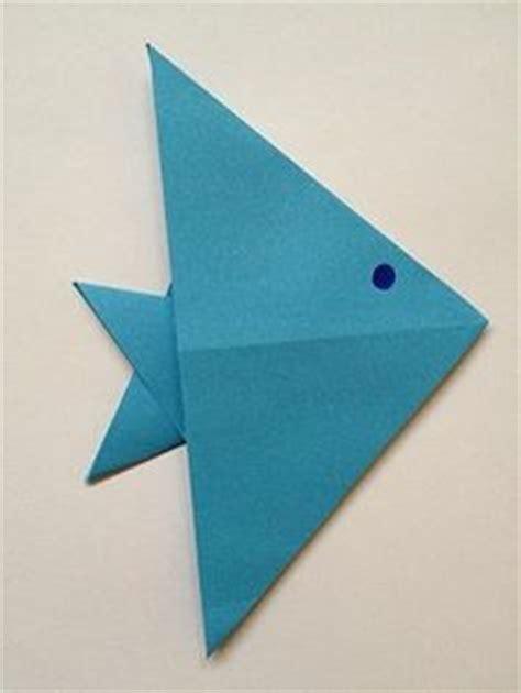 servietten falten fisch 1000 ideas about fisch falten on origami cat geldscheine falten and origami