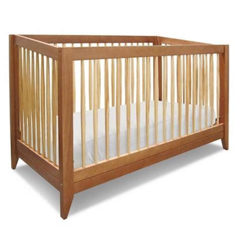 davinci highland crib davinci highland 4 in 1 convertible crib with toddler rail