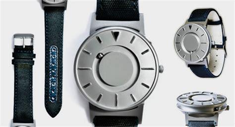Magnet Watches For Blind People  Fubiz Media. Honeycomb Pendant. Lion Pendant. Black Men Watches. Gold Bangle Bracelets For Sale. Universal Time Bracelet. Fractured Diamond. Police Officer Necklace. Mesh Bracelet