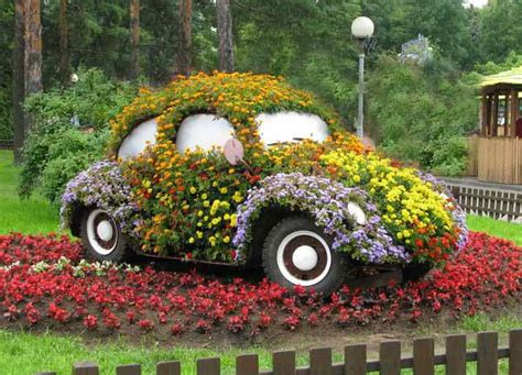 creative handmade garden decorations 20 recycling ideas