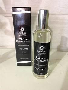 Parfum D Ambiance : vaporisateur parfum d 39 ambiance violette au bouton d 39 or ~ Teatrodelosmanantiales.com Idées de Décoration