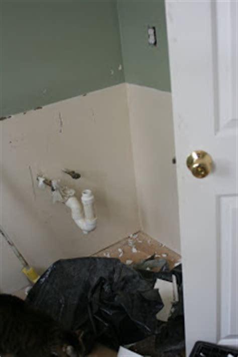 Knit Jones: Bathroom Reno Day #1 in pictures