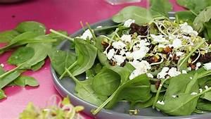 Spinat Als Salat : leichter spinat salat mit pumpernickel waln ssen und feta klein aber lecker ~ Orissabook.com Haus und Dekorationen