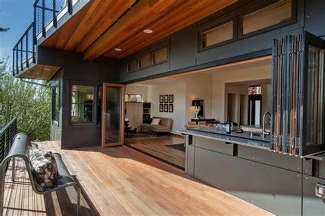 cuisine exterieure bois aménagemez une cuisine ouverte sur l extérieur ideeco