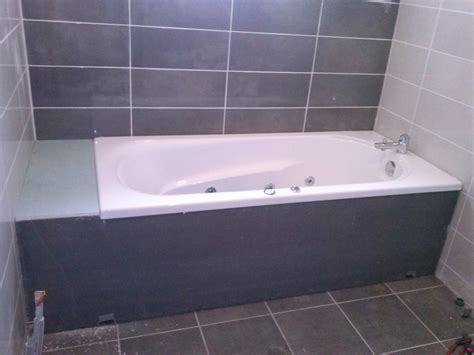 faire de la faience pose de la baignoire et habillage le de fred