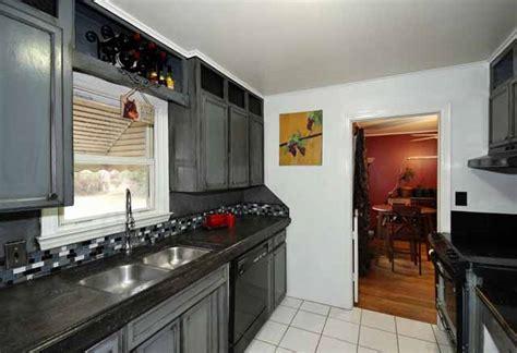 updated  bedroom midtown bungalow walking distance  tu