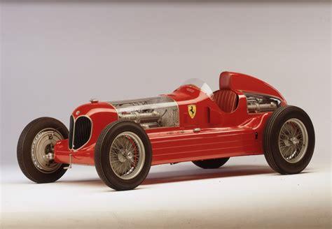 Column Italiaanse Schone Alfa Romeo 6c 2500 Drivr